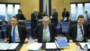 Der EU-Kommissionspräsident Juncker hat ein Rechtsstaatsverfahren gegen Polen eingeleitet.